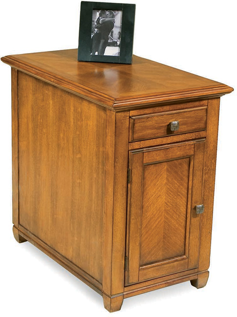 Eastlake – Chairside Cabinet